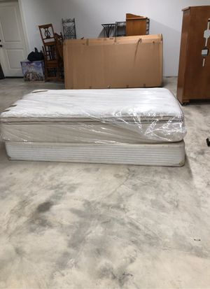Twin bed and box spring for Sale in Tacoma, WA