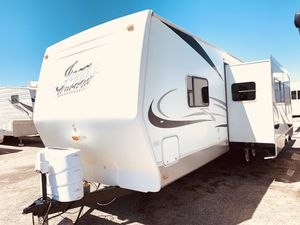 2006 Jazz by Thor 31ft With slide out for Sale in Peoria, AZ