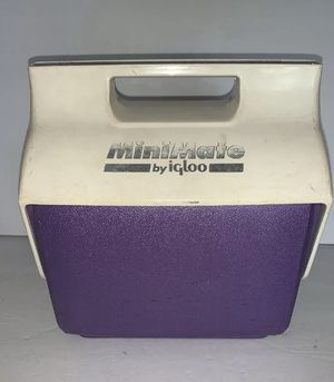 MINI MATE BY IGLOO PURPLE AND Purple COOLER WITH BUTTON for Sale in San Diego, CA