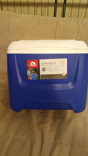 Igloo Cooler/Ice Chest for Sale in Everett, WA