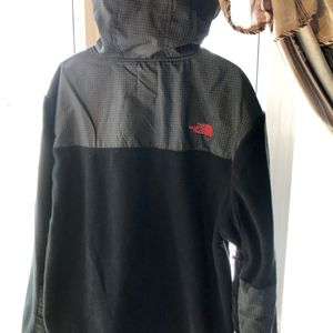 North face fleece with hoodie for Sale in Brook Park, OH