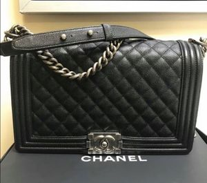 PRICE IS 3500 READ DESCRIPTION AUTHENTIC CHANEL BOY BAG for Sale in Beverly Hills, CA