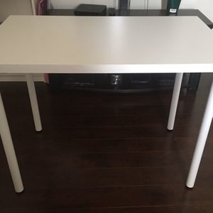 Desk Table for Sale in Los Angeles, CA