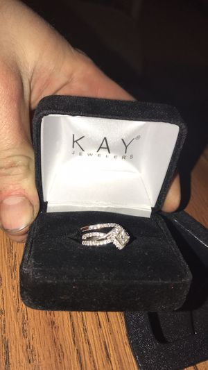 Kay engagement/ wedding band set for Sale in Dittmer, MO