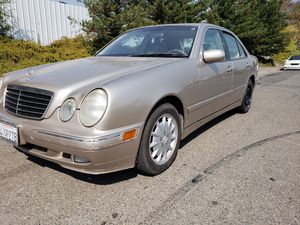 Gold 2001 Mercedes Benz E320 Partying out! For Parts Only! for Sale in Rancho Cordova, CA