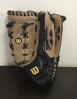 """Wilson A360 Genuine Leather Softball Glove 14"""" Right -Handed Thrower A0360 ES14 for Sale in Brooklyn, NY"""