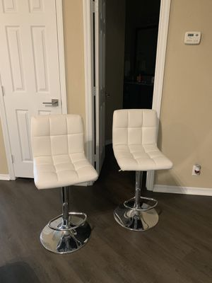 White leather high chairs for Sale in Saint Petersburg, FL