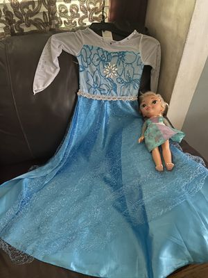 New!!!Frozen dress and doll for Sale in Long Beach, CA