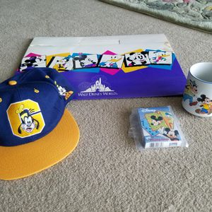 AUTHENTIC VINTAGE WALT DISNEY WORLD LOT for Sale in Chicago, IL