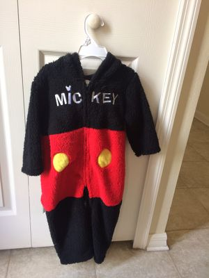 Disney Mickey costume for Sale in Wahneta, FL