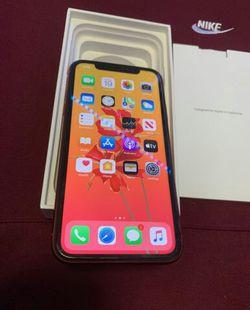 Apple IPhone 10 XR 64g unlock for Sale in Kent,  WA