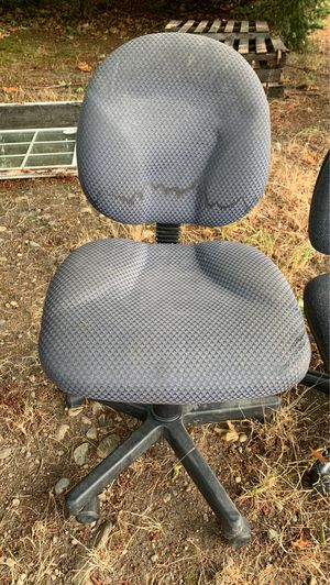 Office/student chair for Sale in Puyallup, WA