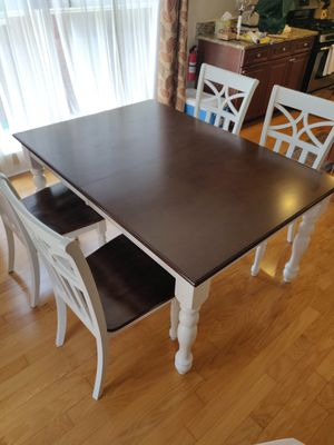 Dining Table w/ 4 chairs (Like New!) for Sale in Hoboken, NJ