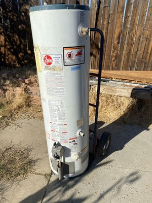 30 gallon water heater for Sale in Perris, CA