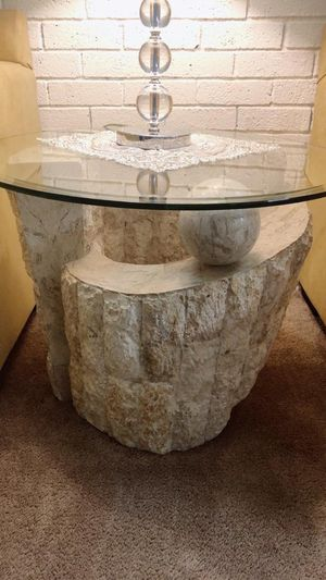 set table 4 pics stone for Sale in Revere, MA