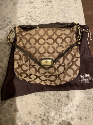 Authentic Coach shoulder crossbody bag for Sale in Anaheim, CA