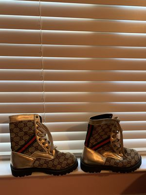 Boots size 8 /8.5 for Sale in Chantilly, VA