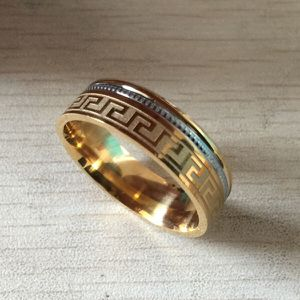 Unisex Wedding Band Size 10 for Sale in Eastman, GA