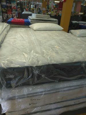 New Sealy cal king size mattress and boxspring for Sale in Corona, CA