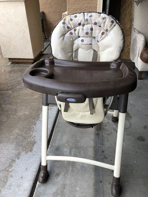 Baby chair for Sale in Goodyear, AZ