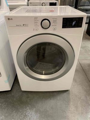 LG 7.4 cu ft. Large Smart Stackable Front Load Electric Dryer with Sensor Dry for Sale in Whittier, CA