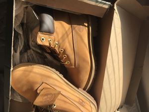 Size 6 timberland waterproof boots for Sale in Fort Worth, TX