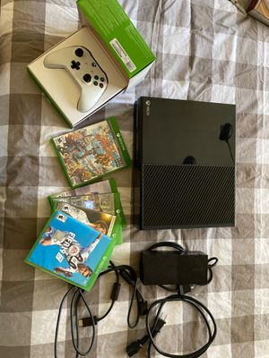 Xbox One 500GB Bundle for Sale in Las Vegas, NV