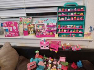133 Shopkins más 15 acecorios$$$ 35 por todo for Sale in Garland, TX