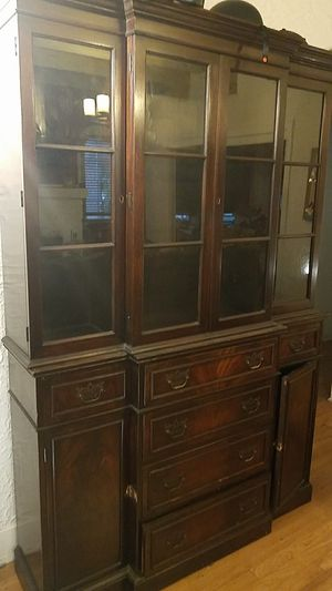 Antique china cabinet for Sale in South Miami, FL