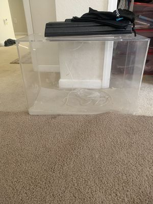 Acrylic 20 gal fish tank with everything for Sale in Windermere, FL
