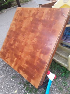 Free large coffee table for Sale in Seattle, WA