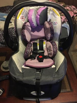 Like new car seat for Sale in Freedom, IN