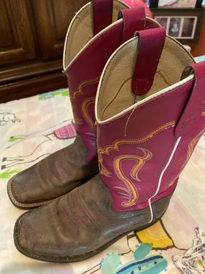 Girls boots for Sale in Lindsay, CA