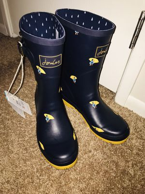 Rain boots size 8 for Sale in Warrenville, IL