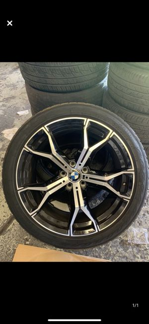 """BMW X5 x6 x5m style 20"""" rims tires set for Sale in Hayward, CA"""