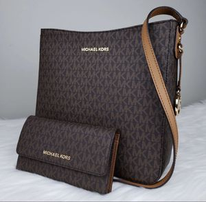 Michael Kors handbag and wallet for Sale in HILLTOP MALL, CA