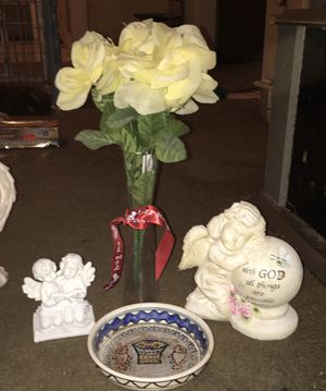 Artificial flowers in glass vase, two angels and antique dish for Sale in Elmwood, LA