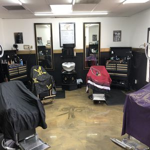 Barbers booth for Sale in Avondale, AZ