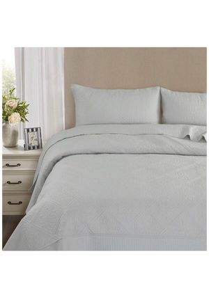 Queen 3-Piece Bed Cover 1 Quilt/Coverlet & 2 Pillow Shams Silvergray for Sale in Rancho Cucamonga, CA