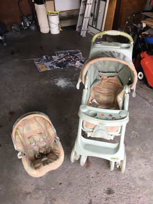 Graco baby stroller car seat high chair special bundle for Sale in Dearborn Heights, MI