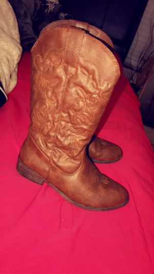 Girl boots 3y for Sale in Phoenix, AZ