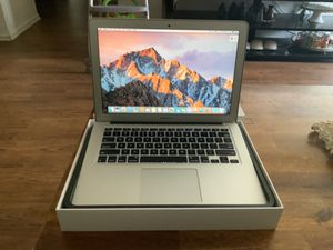 MacBook Air 2012 very good condition for Sale in San Diego, CA
