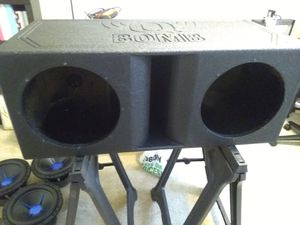 Qbomb Subwoofer box for 12s for Sale in Arlington Heights, IL
