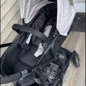 Stroller & carseat for Sale in Pawtucket, RI