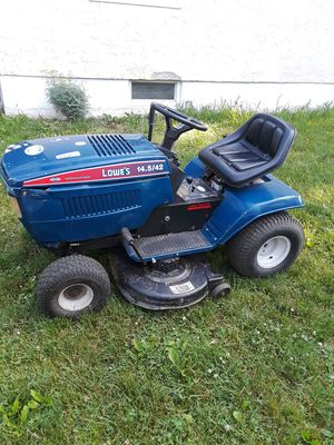 Lowes ' tractor for Sale in Columbus, OH