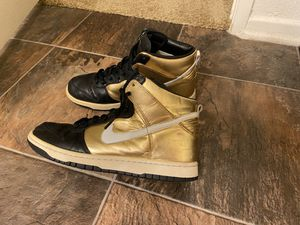 Nike zoom high metallic gold size 8.5 NEED TO SELL TODAY for Sale in Rancho Cucamonga, CA
