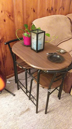 Breakfast table with 2 chairs very good condition for Sale in Framingham, MA