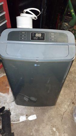 LG 12,000 BTU portable ac unit! for Sale in Keystone Heights,  FL