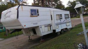 30 foot sprinter keystone 5th wheel travel trailer for Sale in Texas City, TX