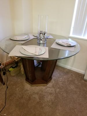 Nice Glass and Wood Dining Table Set for Sale in Silver Spring, MD